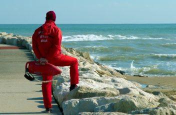 lifeguard-on-duty-4304713_1280