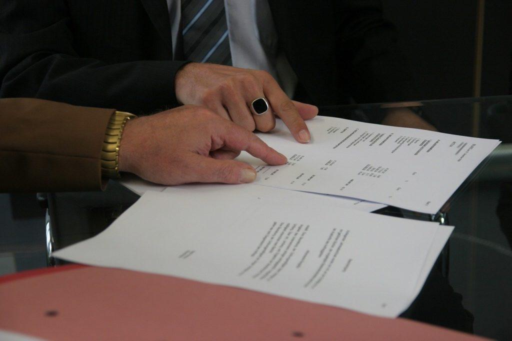 Kiedy powinieneś zatrudnić prawnika biznesowego?