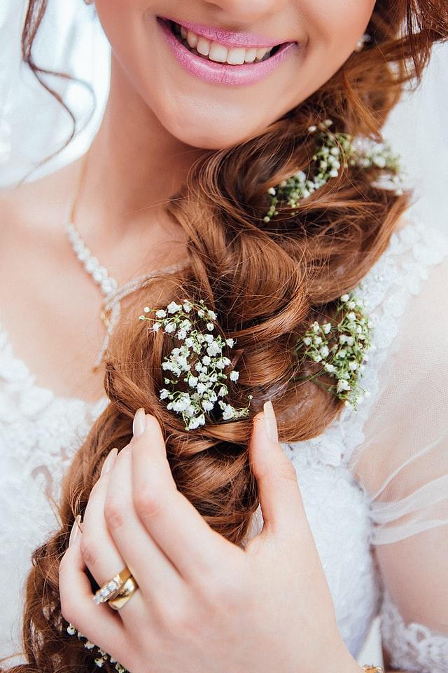 Henna służy nie tylko do farbowania włosów