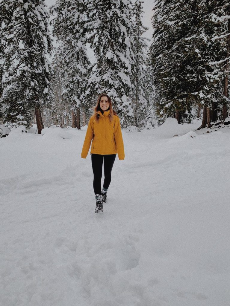 Jak wybrać odpowiednią kurtkę na zimę?