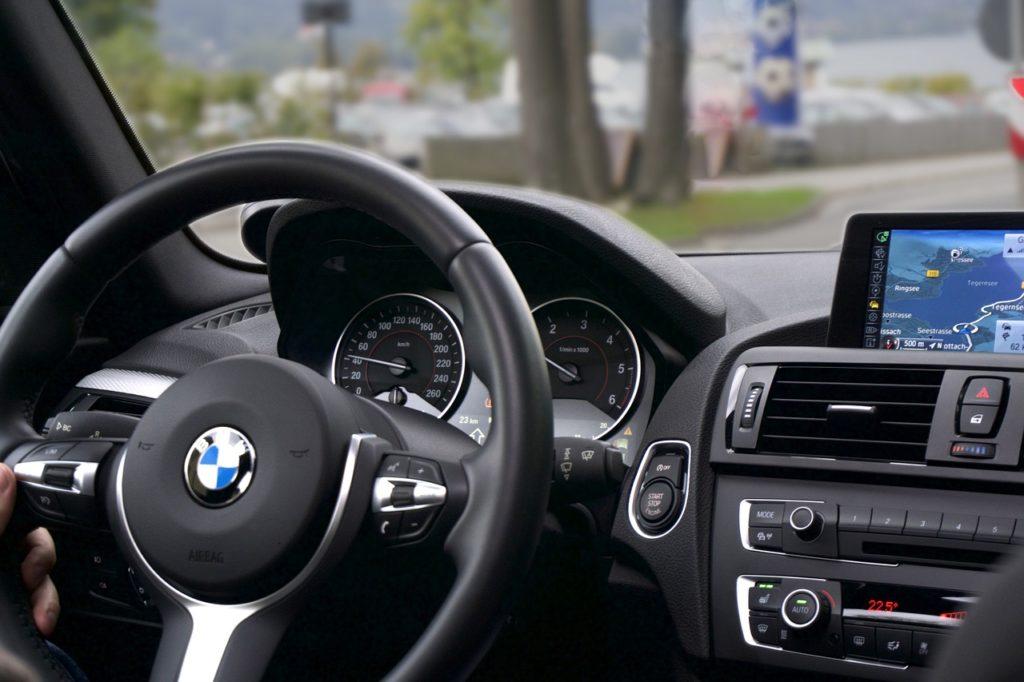 Najważniejsze atuty firm oferujących wynajem samochodów