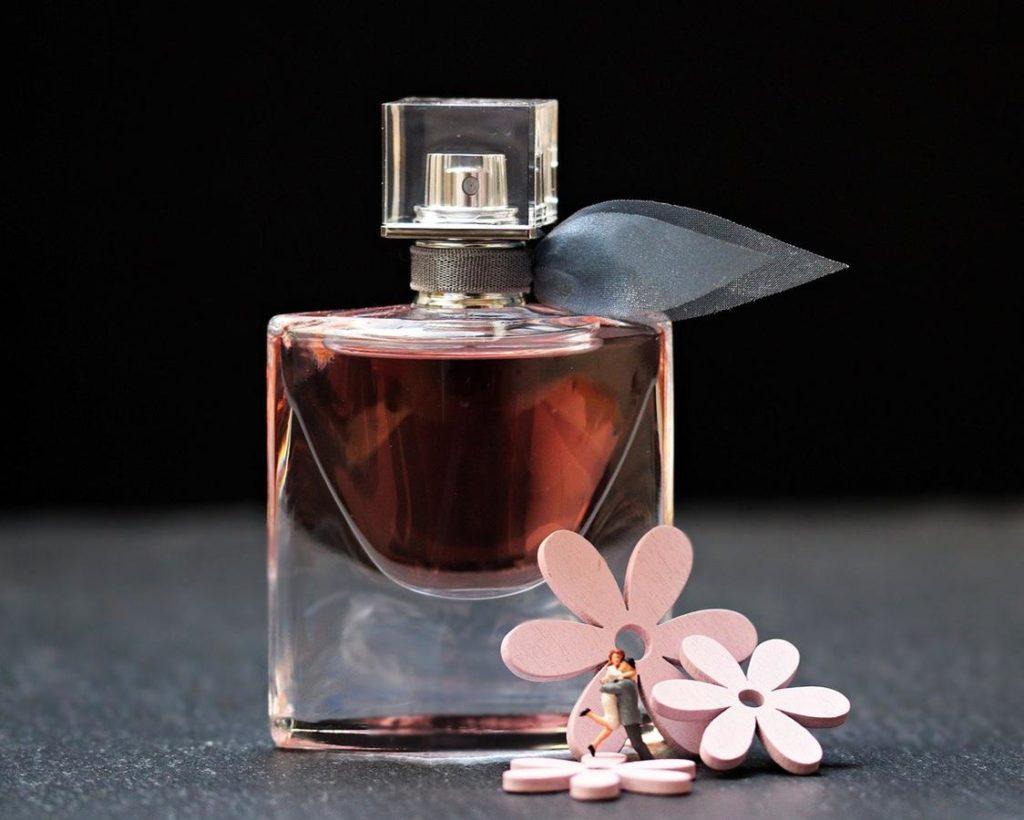 Jak wygodnie realizować zakupy perfum?