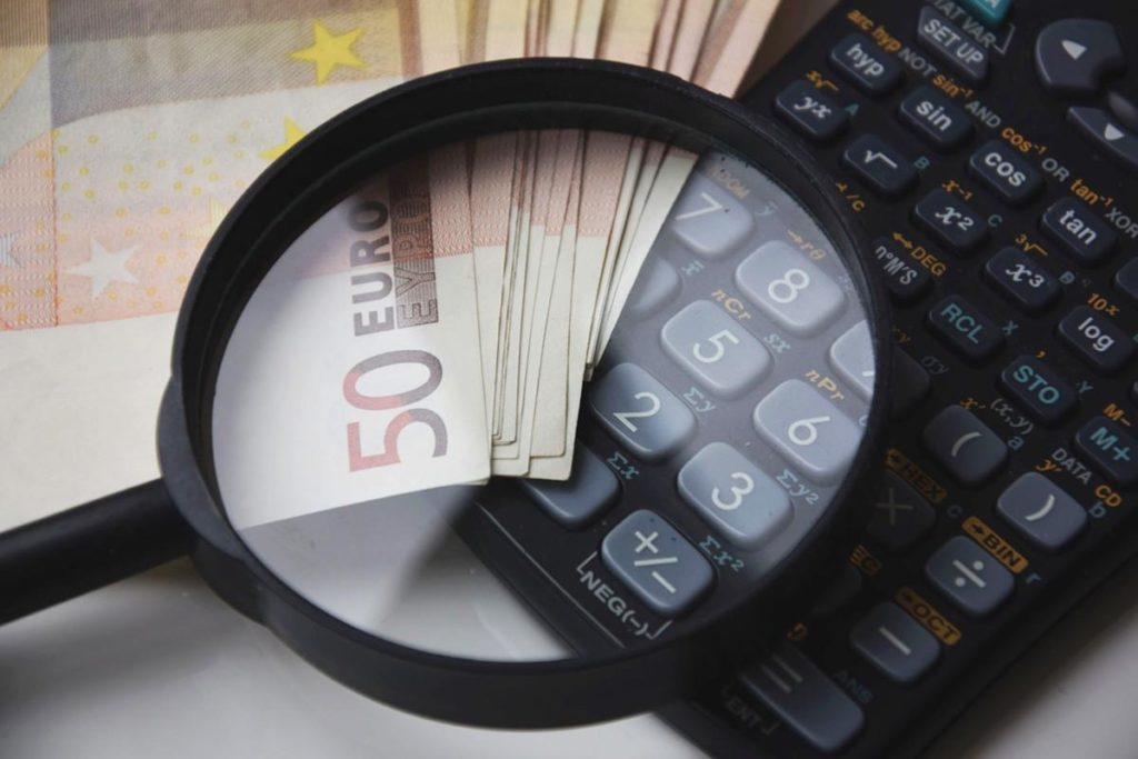 Jak znaleźć korzystny kredyt?