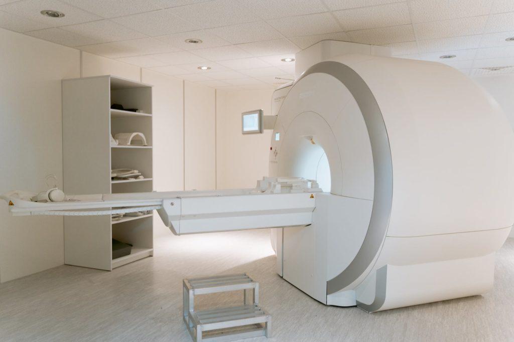 Gdzie wykonać rezonans magnetyczny w Warszawie?